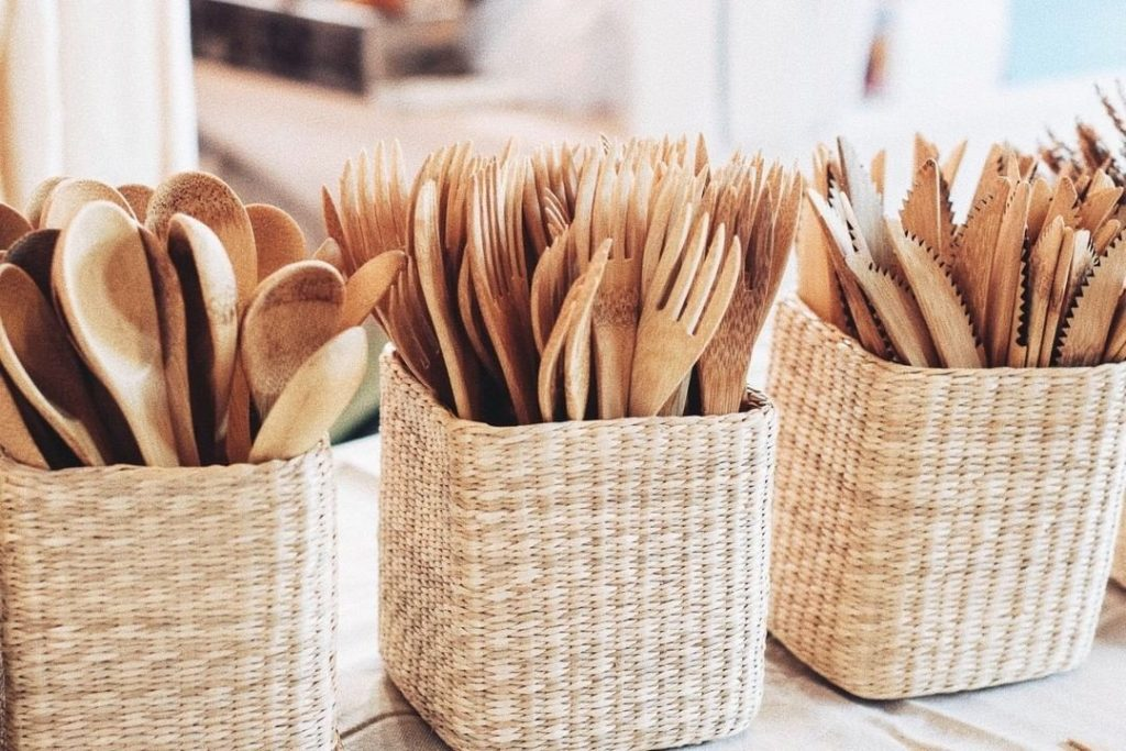 Reusable bamboo cutlery set to go plastic free
