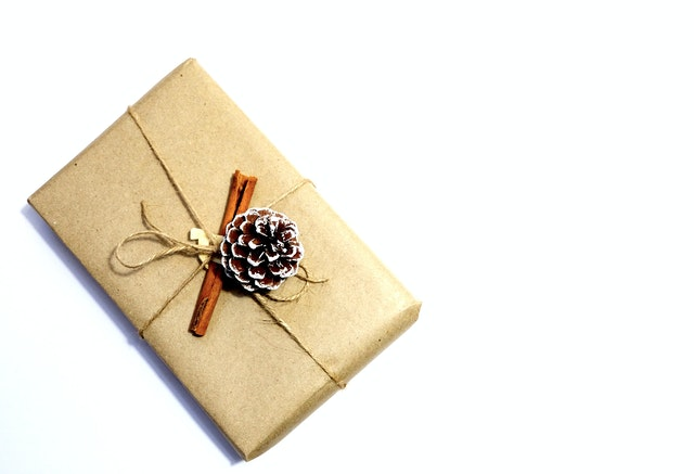 Gift wrapped in a brow paper which is eco-friendly