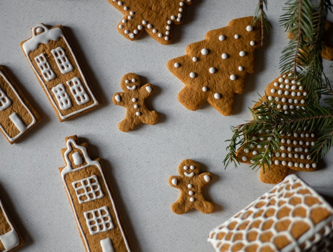 Making homemade cookies as one of the eco-friendly tips for Christmas