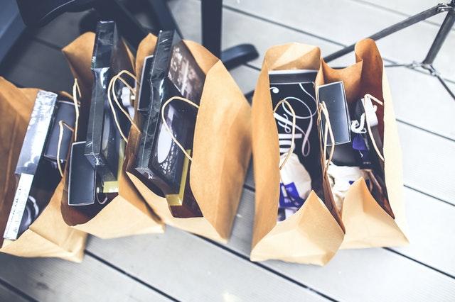 5 brown shopping bags